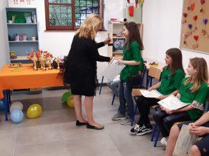 Klaudia Ehmer Vorgić dodjeljuje završne nagrade 10 stupanj Brainobrain